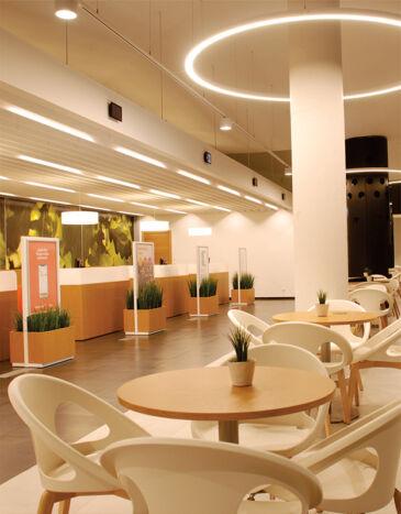 Darbu galerija Banku interjeras foto
